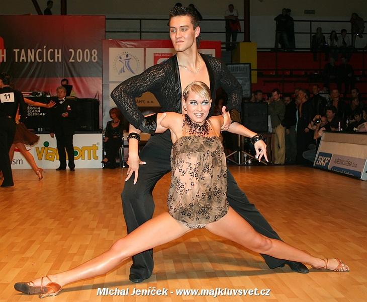 servis eskorty taneční kolo