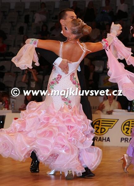 servis Afričan taneční kolo
